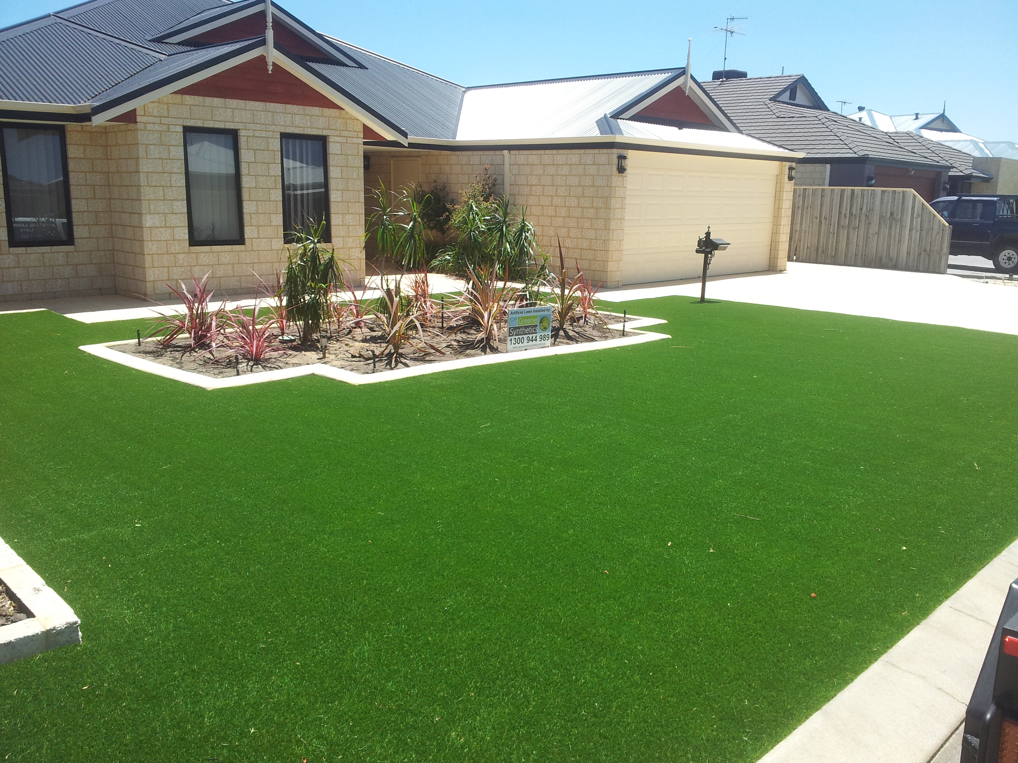 Looking for artificial grass in mandurah bunbury or perth for Garden landscaping perth